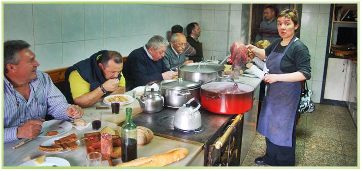 menu tipicos en la taberna de montse